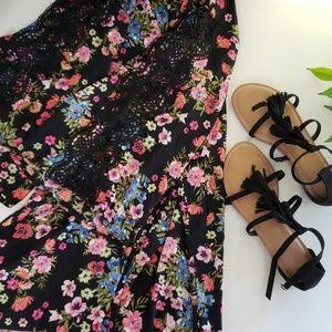 Time And Tru black floral kimono sandal bundle